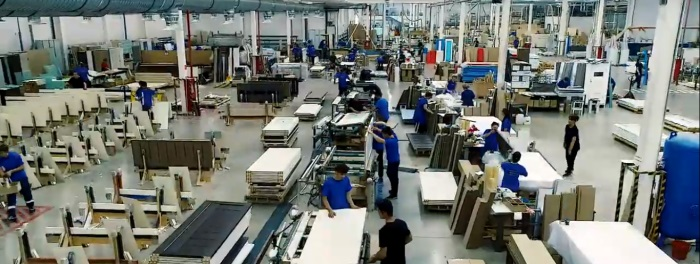 Производственный цех фабрики Профиль Дорс